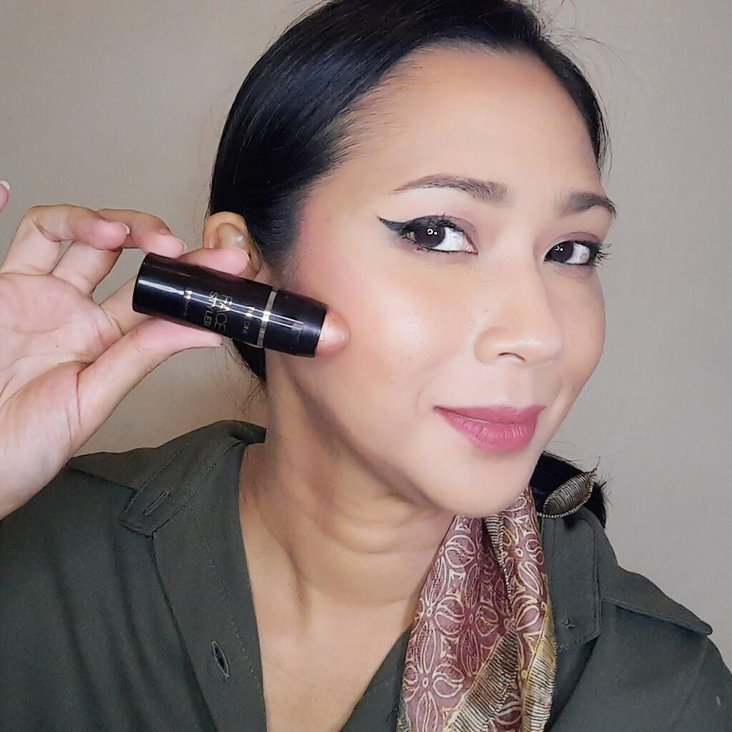 The ONE Face Styler Bronzer Stick